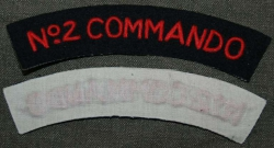 SHOULDER TITLE No 2 COMMANDO OBLOUČEK REPRO BAVLNA